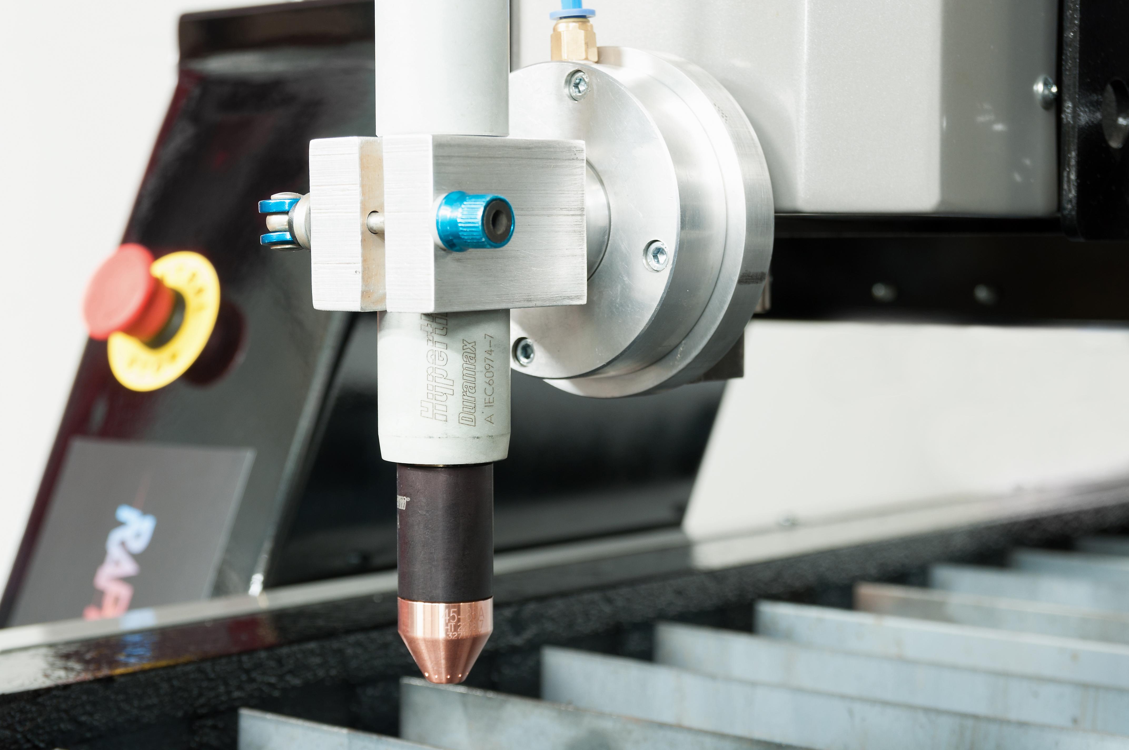 Źródło plazmowe do stołu CNC.
